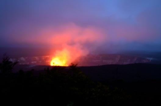 Volcanoes National Park glow